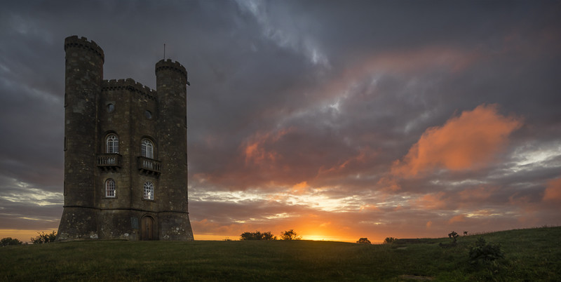 Day 2 - Sunrise at Broadway Tower - The Cotswold Way - 2017/8