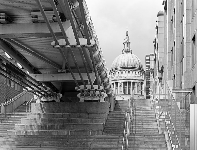 1394 - St Pauls and the Millennium Bridge 2 - Barns & Buildings