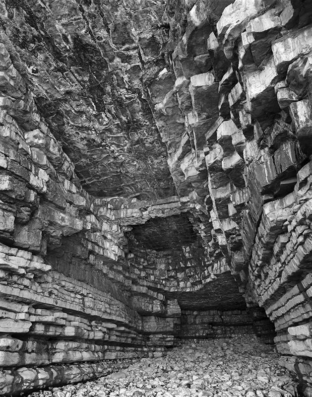 2464 - Into Sea Cave No2 - Glamorgan Coast near Llantwit Major - Glamorgan Coast