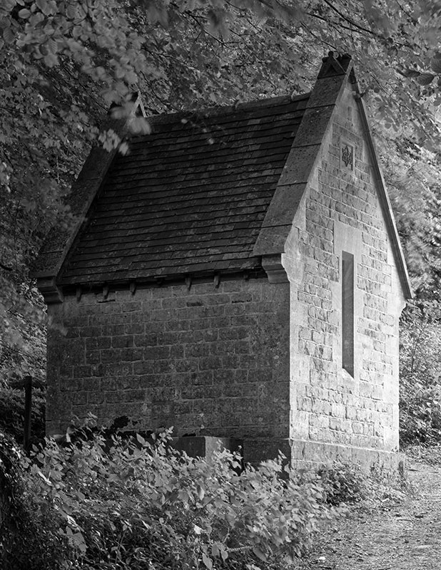 2188 - Well House at Cliff - The Cotswold Way - 2009