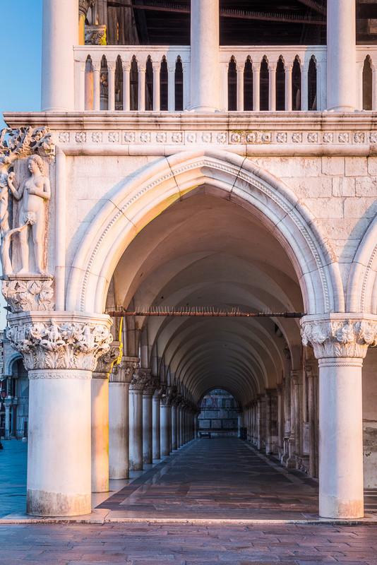VENICE COLONNADE 2 - Venice