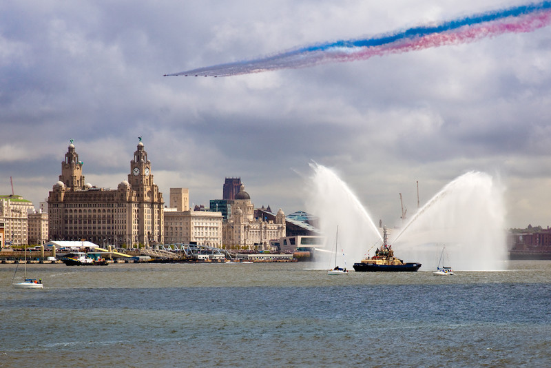 RED ARROWS AT LIVERPOOL PIER HEAD - Liverpool