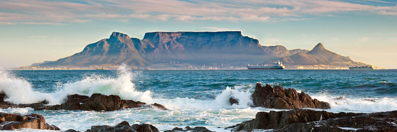 TABLE MOUNTAIN FROM BLOUBERGSTRAND - Colour