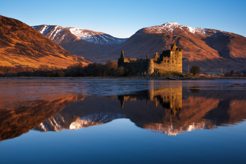 Kilchurn Castle, red sunrise, Loch Awe, Scotland. - Castles and Fortresses