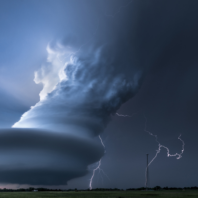 Double Lightning Bolts, Nebraska USA - Weather photography