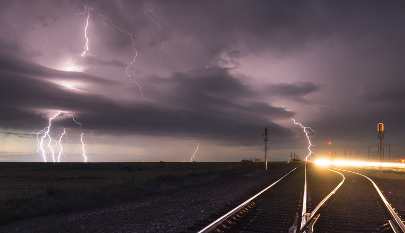 Railroad lightning - Weather photography