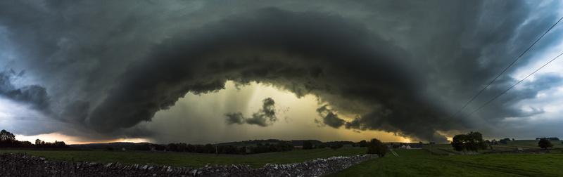 Monyash shelf cloud, Peak District. - Peak District & surrounding area