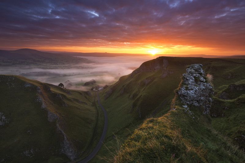 Winnats Autumn sunrise - Peak District & surrounding area