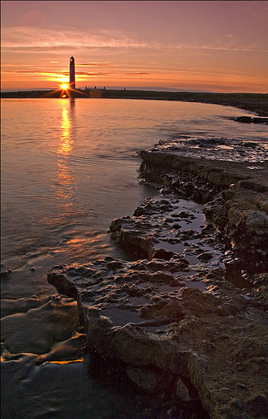 Barnsess lighthouse Sunrise - Coastal Scotland