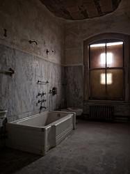 Ellis Island Immigrant Hospital | Tub