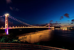 KM-337M Tsing Ma Bridge at night-s