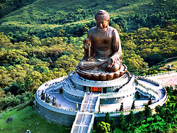 KMM-353 Gnong Ping - Po Lin Buddha from the air-s