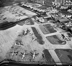 KMBW-6 Kai Tak airport - 1982