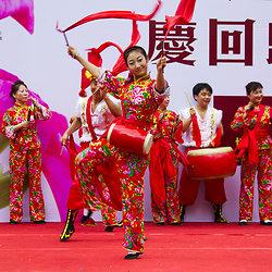 KM-218 Dancer in 10th anniversary procession - 2007