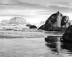 Receding Sea Stacks, Bandon Beach OR (2013/6140)